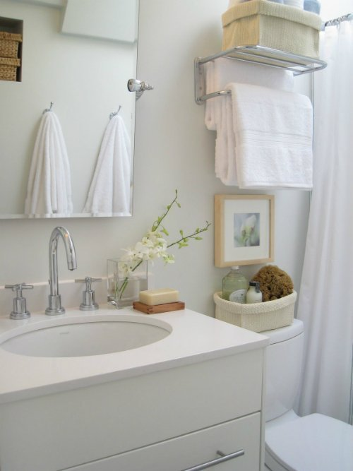 Making small bathrooms look bigger mosaik design - How to make a small bathroom look larger ...